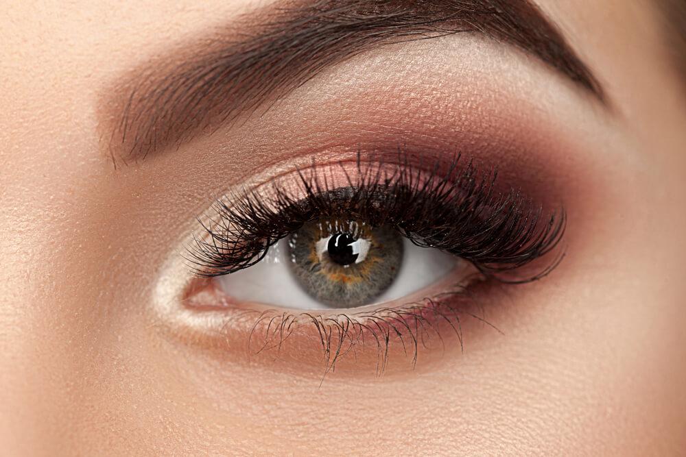 5 Jenis Warna Eyeshadow yang Perlu Diketahui Pemula