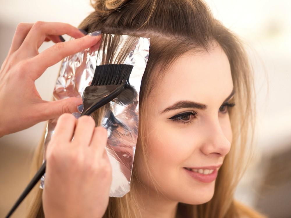 5 Hal Yang Perlu Diketahui Sebelum Mengecat Rambut Untuk