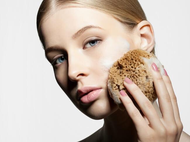 8 Hal Yang Perlu Diperhatikan Saat Menggunakan Serum Vitamin C Agar Mendapat Hasil Yang Maksimal Beauty Journal