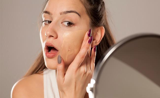Tidak Sengaja Membuat Jerawat Pecah? Ini yang Harus Anda Lakukan untuk Menanganinya! - Beauty Journal
