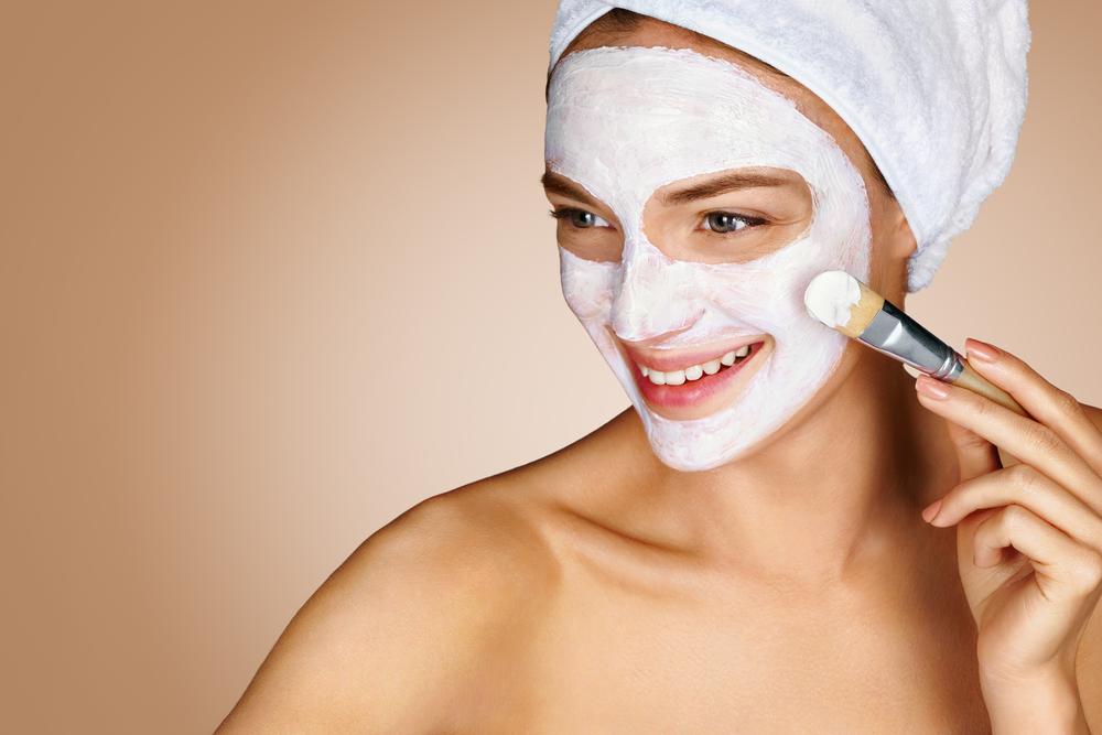 5 Masker Wajah untuk Kulit Berminyak dan Berjerawat dengan ...
