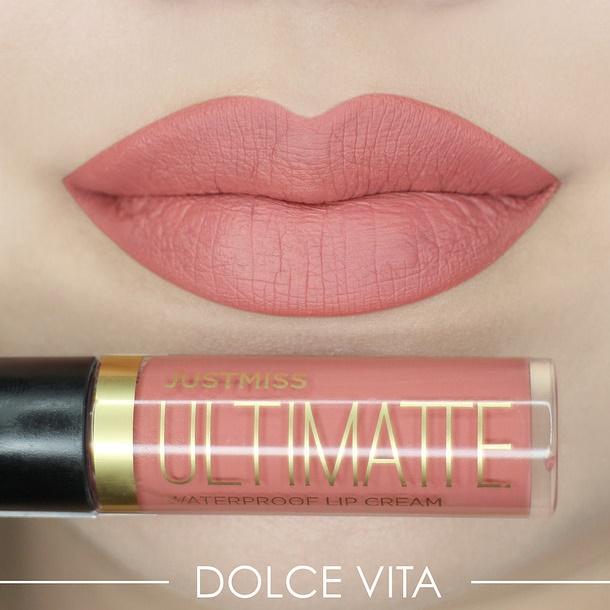 Tampil Menawan, Inilah 6 Warna Lipstik yang Cocok untuk