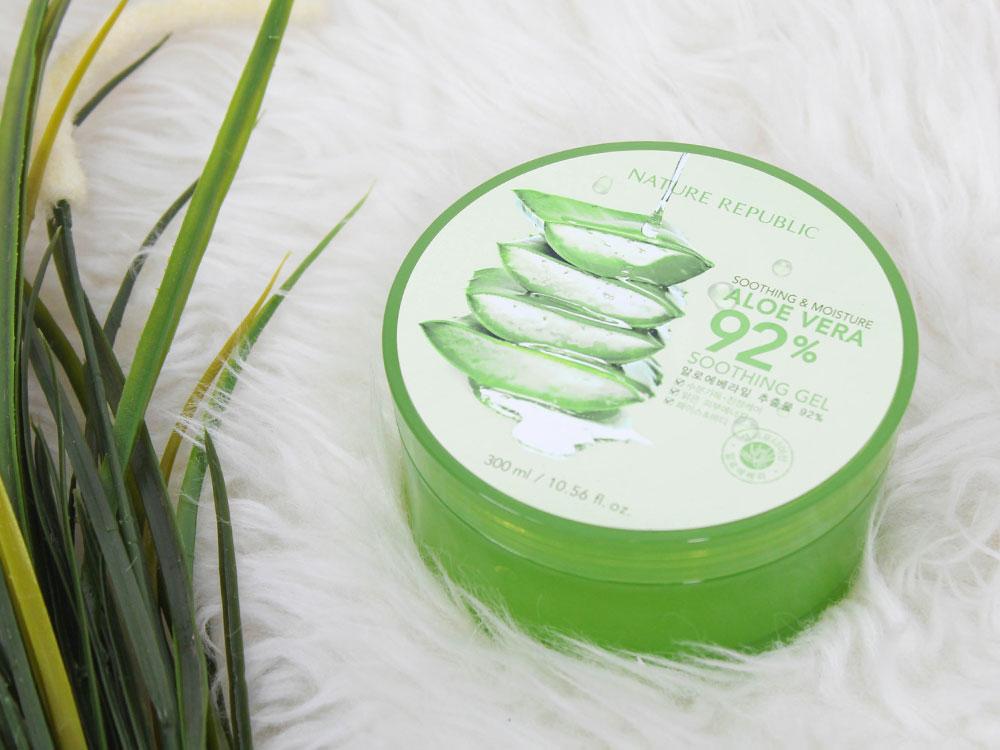 Review Nature Republic Soothing Moisture Aloe Vera 92 Soothing Gel Pelembap Multifungsi Yang Banyak Diburu Pencinta Skin Care Beauty Journal