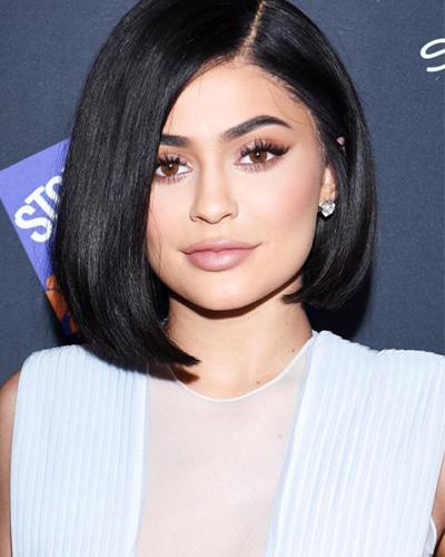 5 Inspirasi Gaya Rambut Kylie Jenner Untuk Anda Yang Memiliki Rambut Tebal Beauty Journal